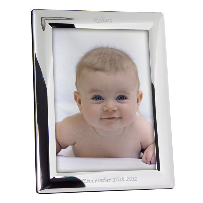 Plain Engraved Silver Plated 7 x 5 Inch Photo Frame